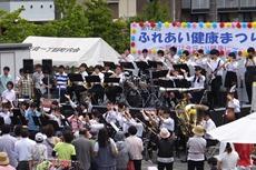 健康まつり:矢向中学の学生によるブラスバンド部の演奏